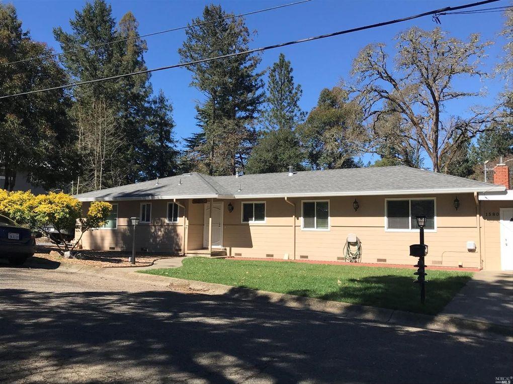 1580 Glenwood Dr Ukiah, CA 95482