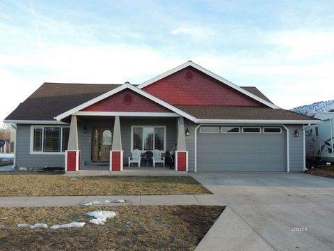 Photo of 1720 Drake St, Lakeview, OR 97630