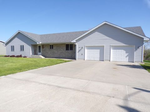 Photo of 1522 W Hanson Ave, Mitchell, SD 57301