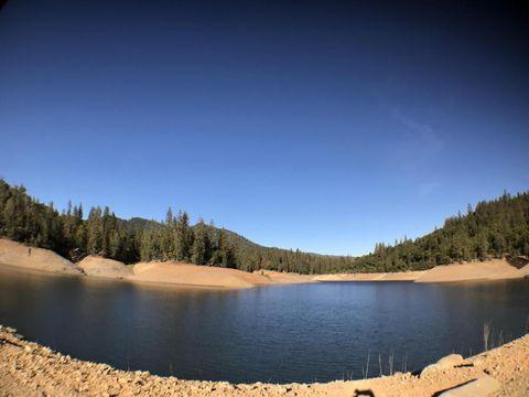 Kamloop Rd, Lakehead, CA 96051