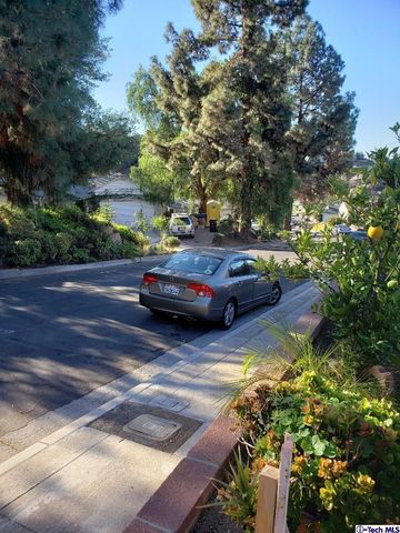 Photo of 8455 Springford Dr, Sun Valley, CA 91352