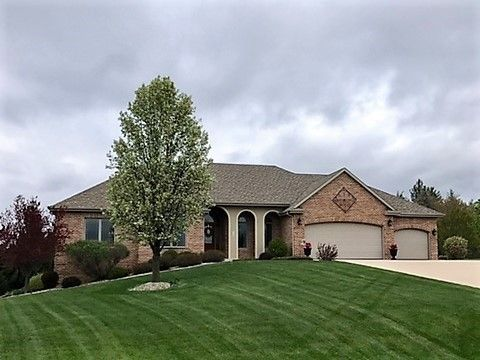 825 N Orchard View Dr Janesville, WI 53545