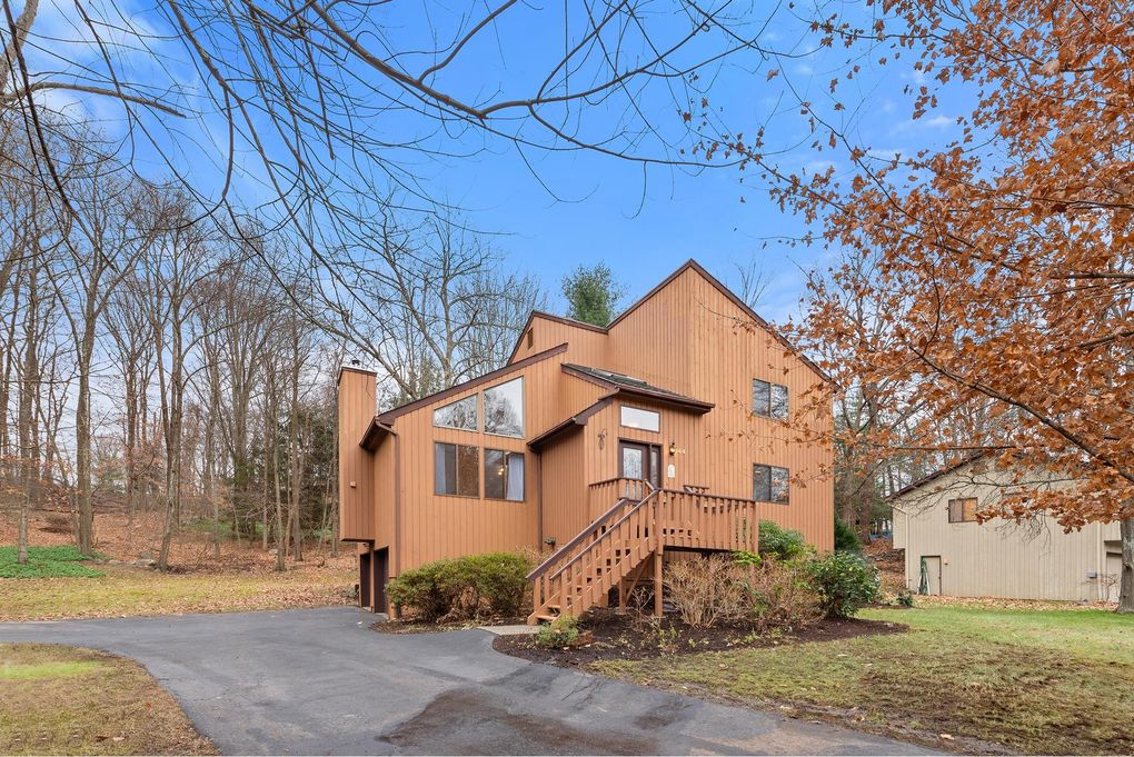 144 Mitchell Rd, Somers, NY 10589