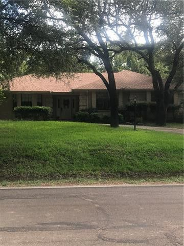 Photo of 7823 Ravenswood Rd, Granbury, TX 76049