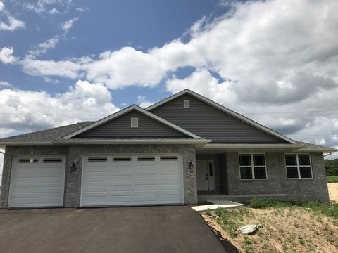146 S Russell Rd, Oregon, IL 61061
