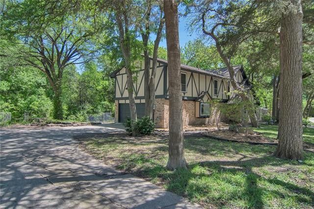 1138 Springbrook Dr, Desoto, TX 75115