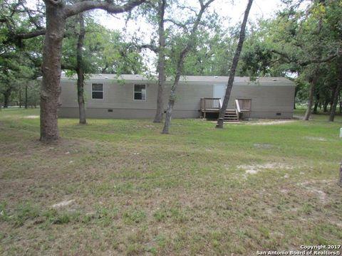 323 Hickory Hill Dr, La Vernia, TX 78121