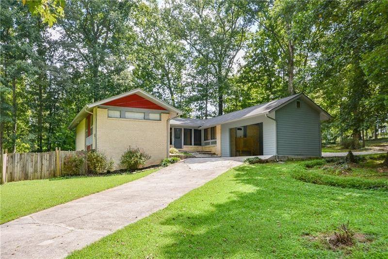 7100 Bluebird Ln Lithia Springs, GA 30122