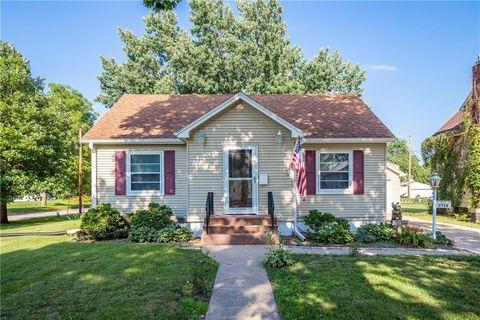 1728 Boone St, Boone, IA 50036