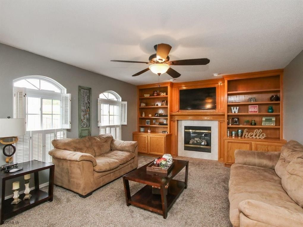1405 S 3rd St, Indianola, IA 50125
