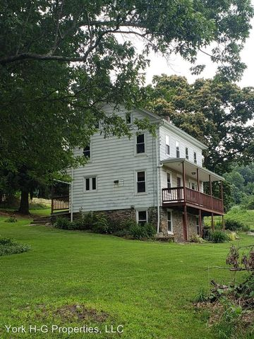 Photo of 255 Grim Hollow Rd, Red Lion, PA 17356