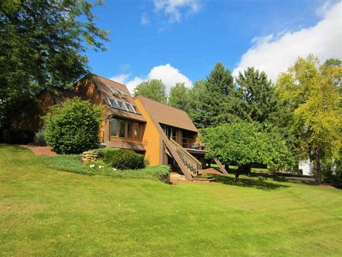 2630 20th Ave, Monroe, WI 53566