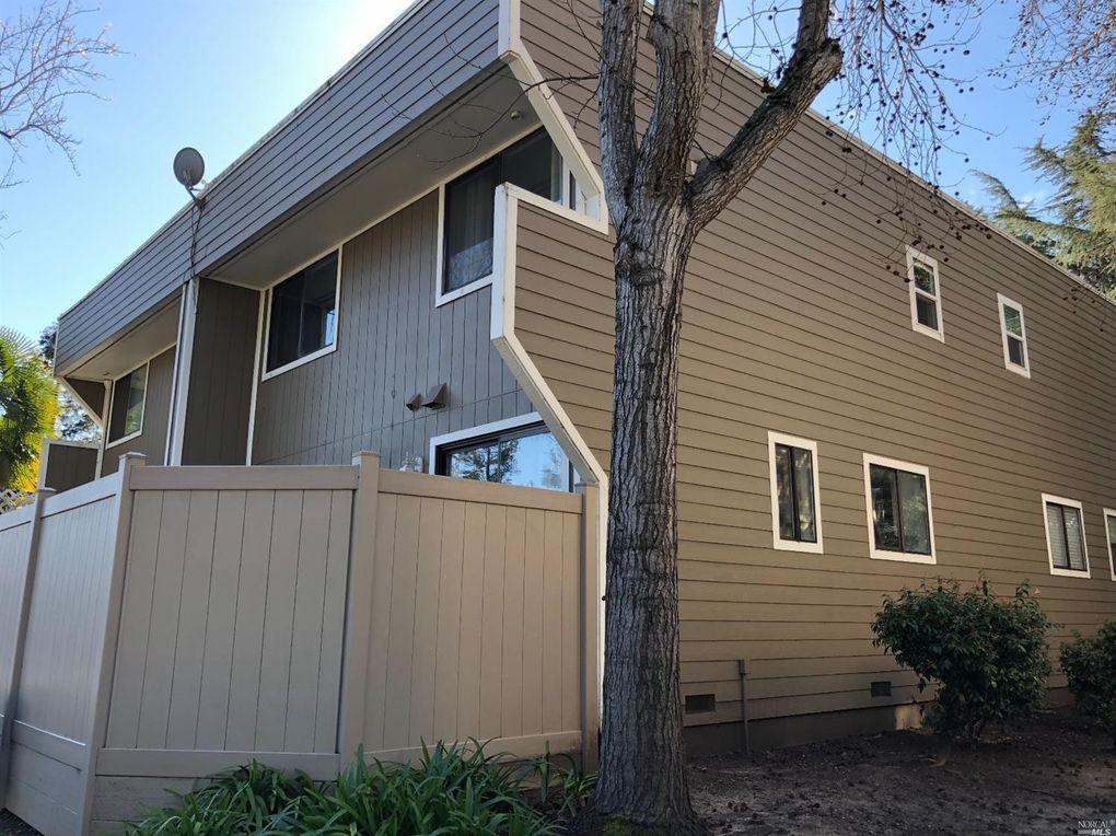 2133 W Steele Ln, Santa Rosa, CA 95403