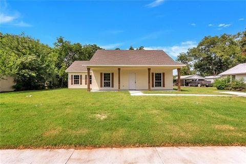915 S Clements St, Gainesville, TX 76240