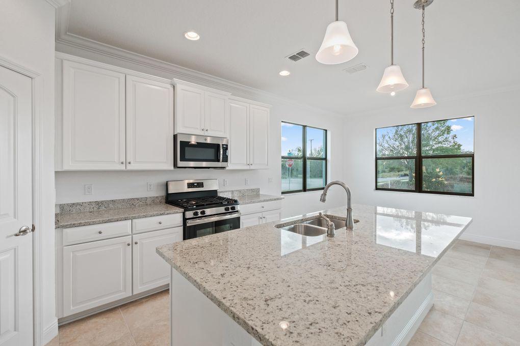 1645 Willows Sq, Vero Beach, FL 32966