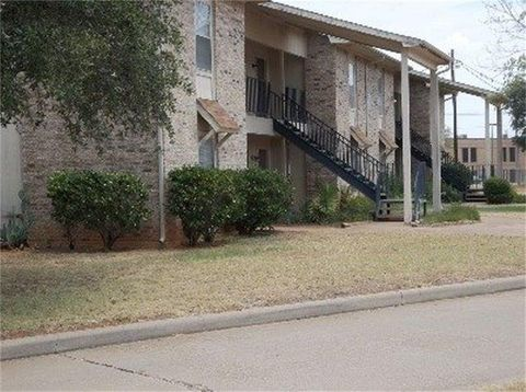 Photo of 701 Stadium Dr, Glen Rose, TX 76043