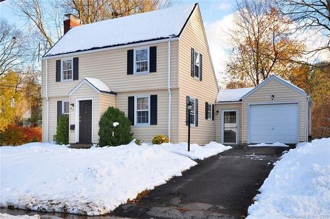 25 Boswell Rd, West Hartford, CT 06107