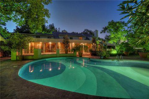 Oklahoma City Ok Houses For Sale With Swimming Pool Realtorcom