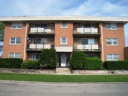 8959 W Cermak Rd Apt 301, North Riverside, IL 60546