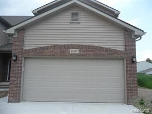 Photo of 29167 Timber Woods Dr, Chesterfield, MI 48047