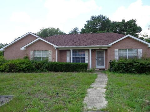 3086 Jefferson Ave, Crestview, FL 32539