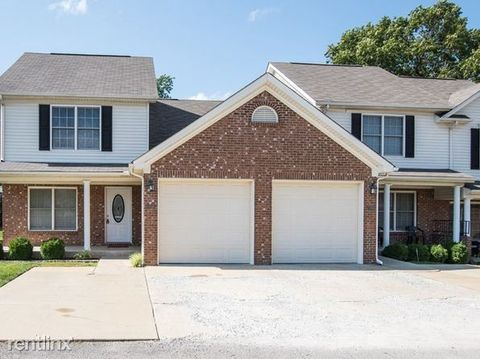 Photo of 573 Atcher St, Radcliff, KY 40160