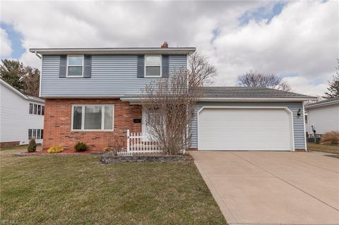 Photo of 10880 Baron Dr, Parma, OH 44130