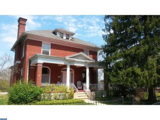 1940 mahantongo st pottsville pa 17901 home for sale