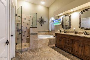 6952 W Robin Ln Glendale Az 85310 Bathroom