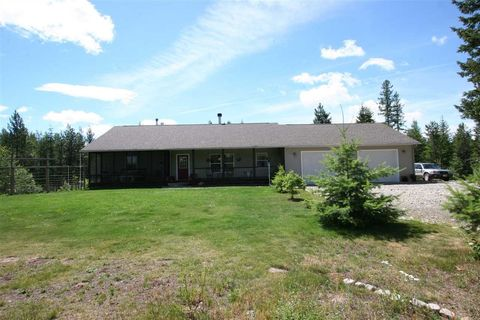 32844 N Tahoe Dr, Spirit Lake, ID 83869