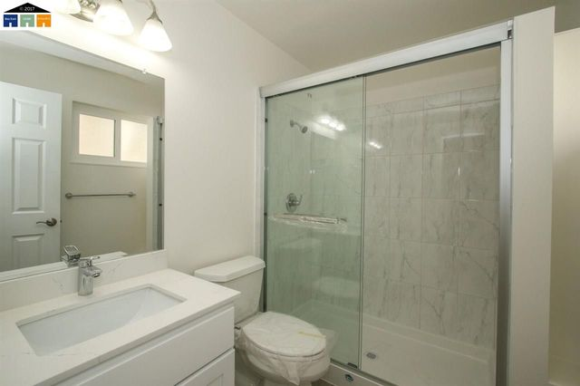 Bathroom Fixtures Hayward Ca 642 dean st apt d, hayward, ca 94541 - realtor®