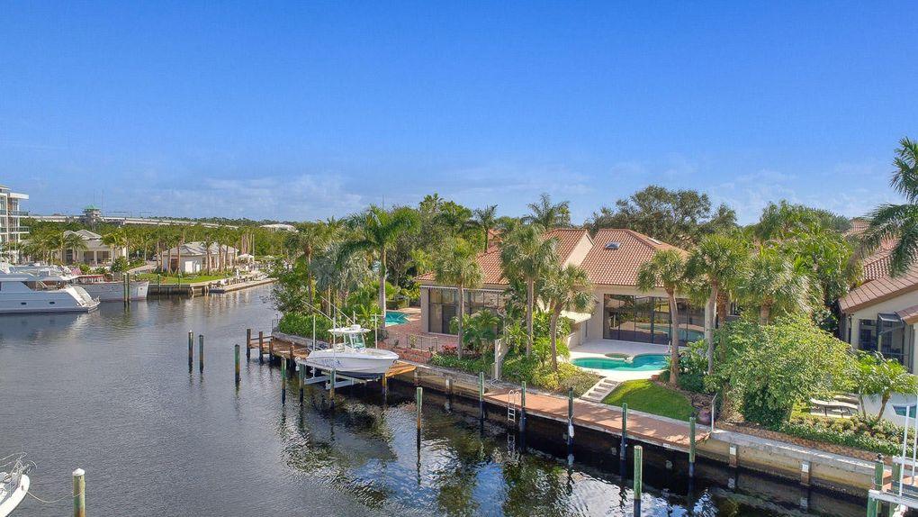 2040 La Porte Dr, Palm Beach Gardens, FL 33410