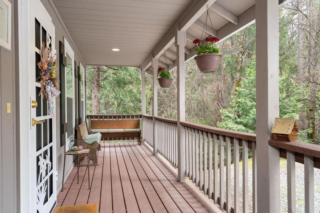 6390 Red Robin Rd, Placerville, CA 95667