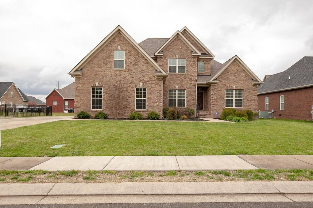 3342 Shady Forest Dr, Murfreesboro, TN 37128