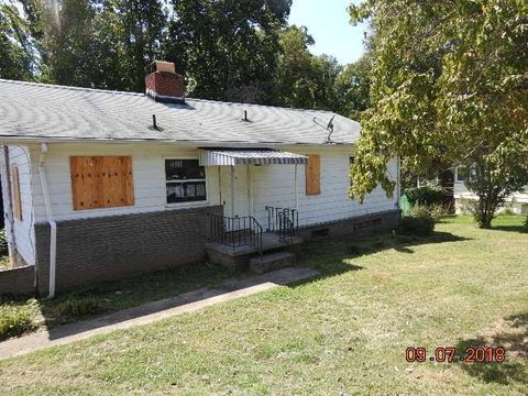 102 Euclid Cir, Oak Ridge, TN 37830