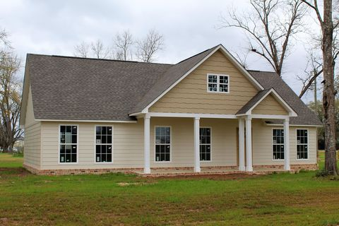 Photo of 107 Cottage Oaks Dr, Lucedale, MS 39452
