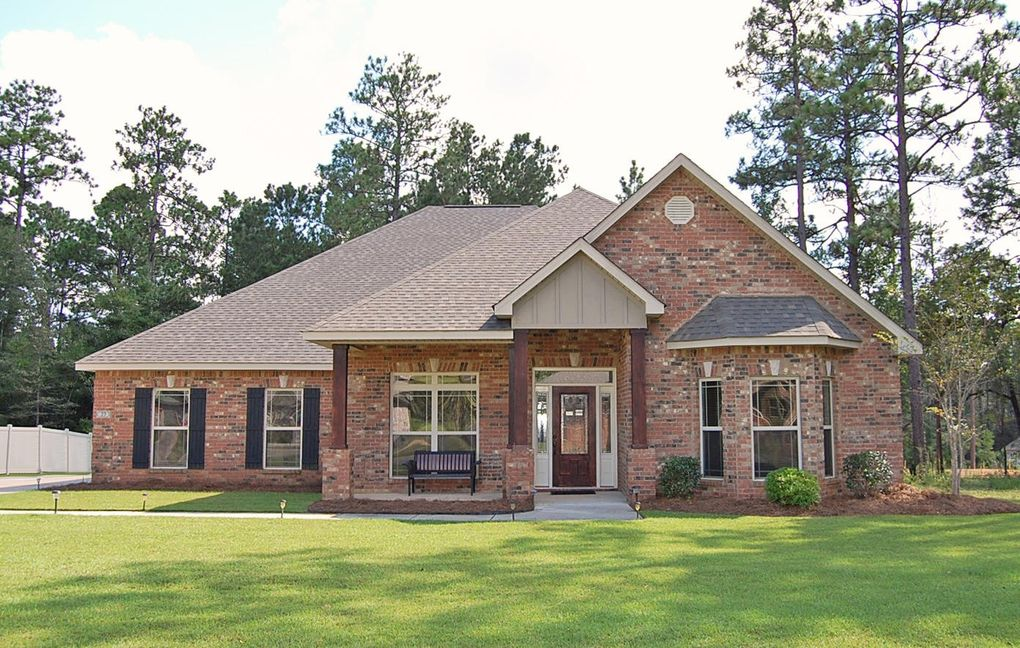 27 E Yellowstone, Hattiesburg, MS 39402 - realtor.com®