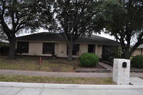 2002 Yorkstown Dr, Ennis, TX 75119
