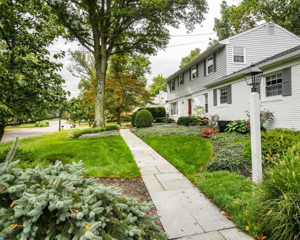 641 Kings Rd, Yardley, PA 19067 - realtor.com®