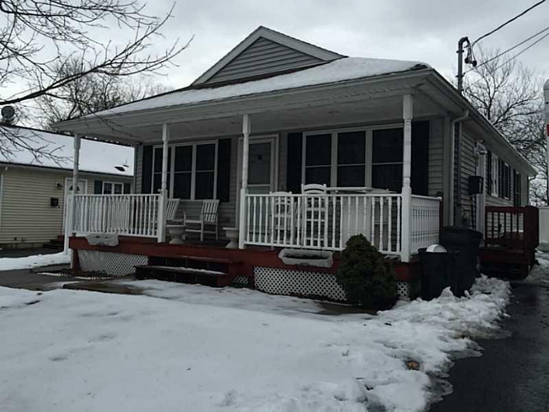 59 Charlton Ave Pawtucket, RI 02860