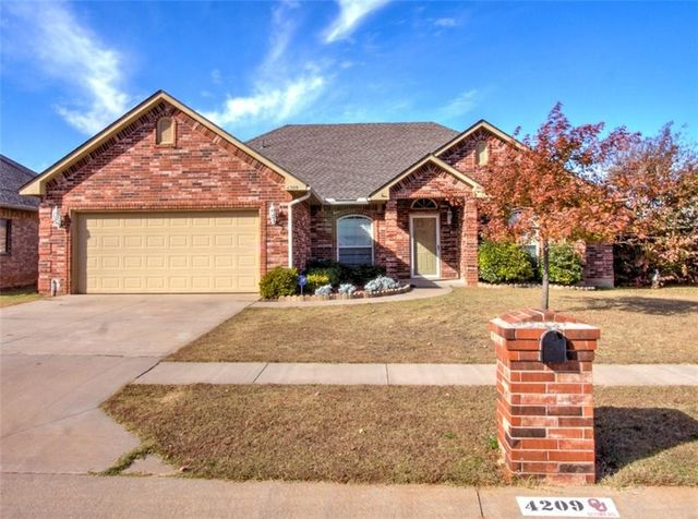4209 Mackenzie Dr, Moore, OK 73160 - Home For Sale & Real Estate ...