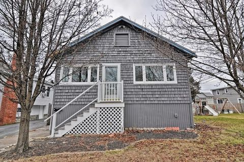33 Russell St, Hull, MA 02045