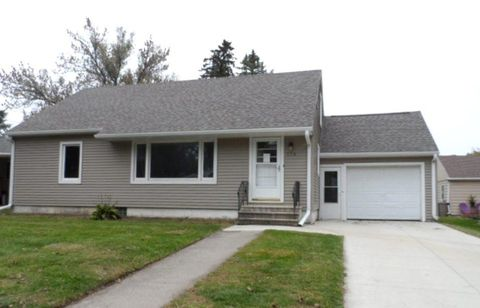 116 5th St Nw, Blooming Prairie, MN 55917