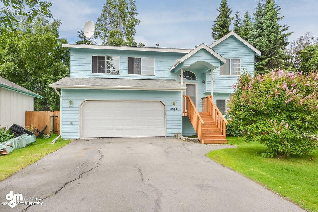 8070 Berry Patch Dr, Anchorage, AK 99502