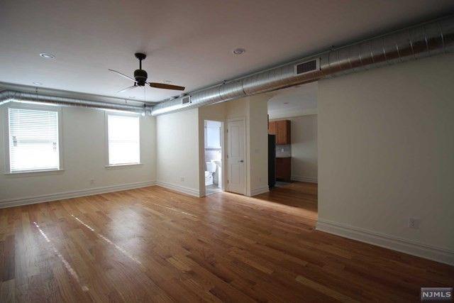 855 Broad Ave Apt 52, Ridgefield, NJ 07657