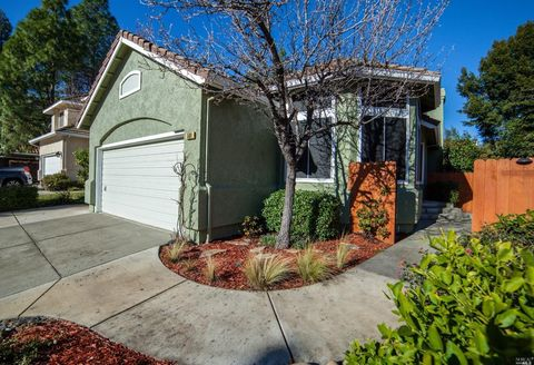Photo of 569 Bald Eagle Dr, Vacaville, CA 95688