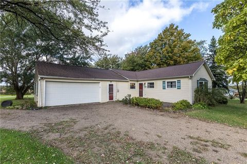 Photo of 7982 Belle Rd, Harborcreek, PA 16421
