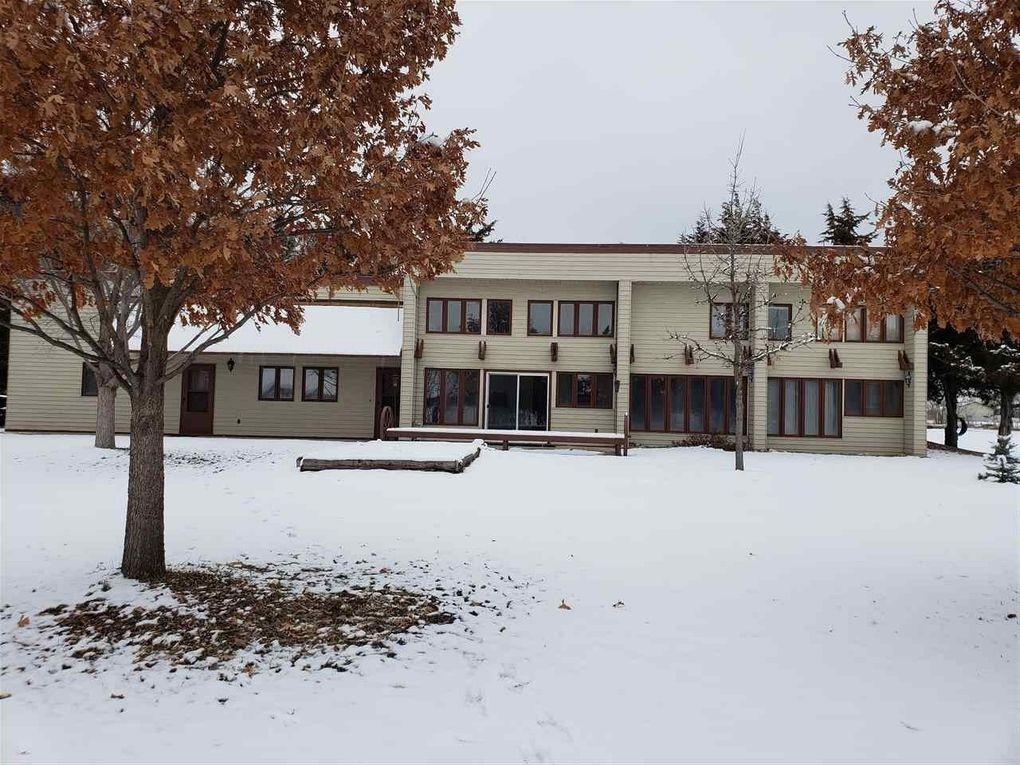 2063 W Walker Rd, North Platte, NE 69101