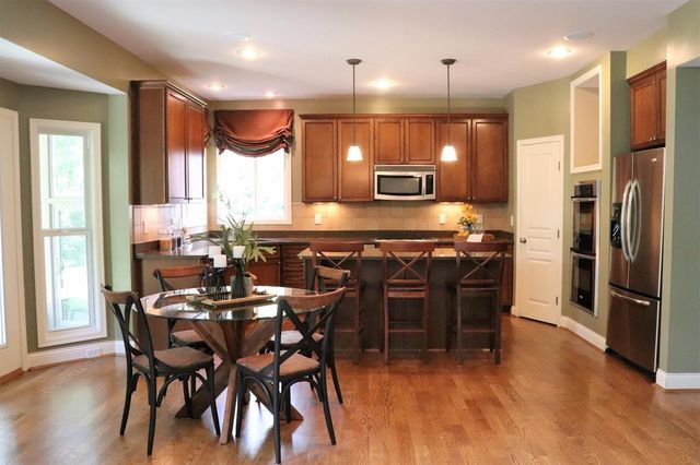 417 Old Willow Ct, South Lebanon, OH 45065 - Kitchen