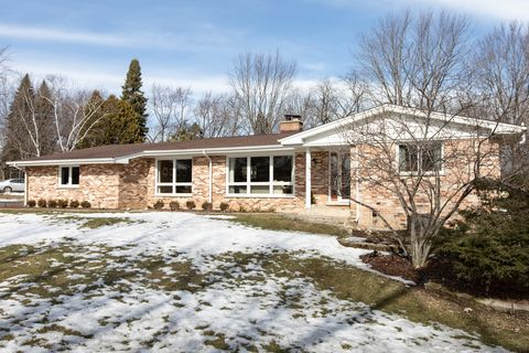 Photo of 36 Lagoon Dr, Hawthorn Woods, IL 60047